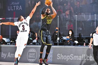 詹姆斯成为NBA季后赛中第一个得分的人